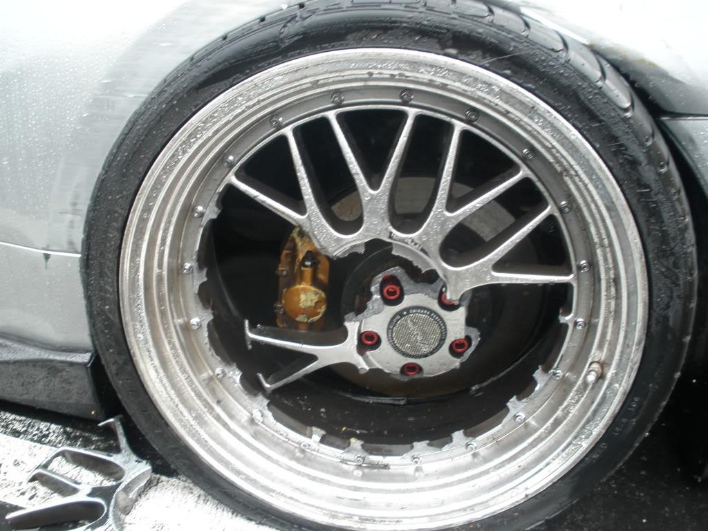 Всем привет!вот решыл сделать на новый год бешке подарок в виде неплохих колес bbs r17